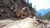 冒死过境尼泊尔